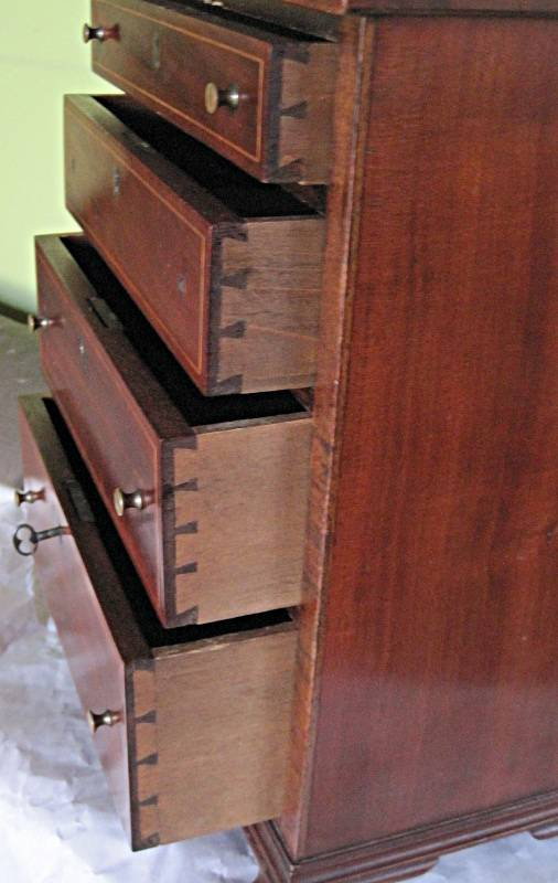 Details of 4 graduated drawers, dovetails.